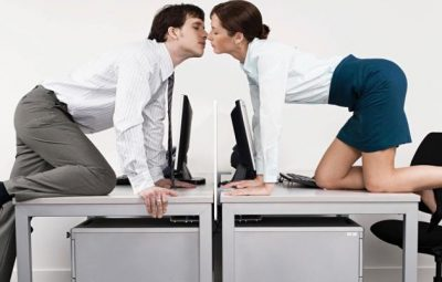 Office-workers-kissing-014