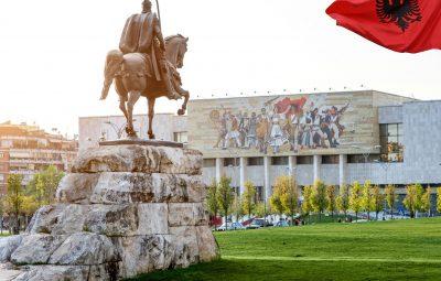 POLITIKI_albania_tirana