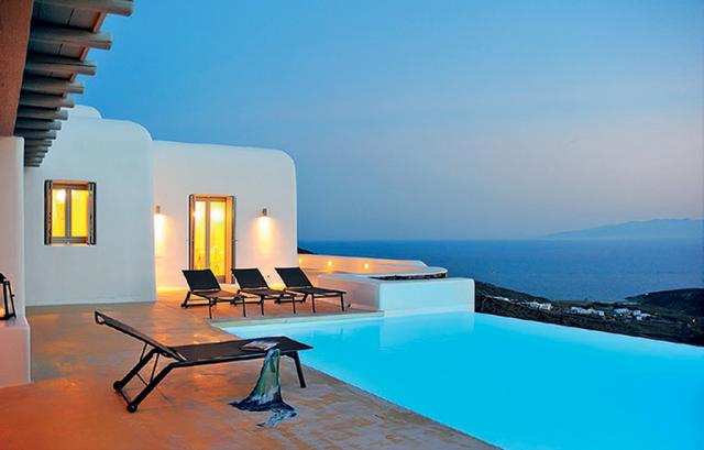 Σπίτι με πισίνα και θέα στην Μύκονο