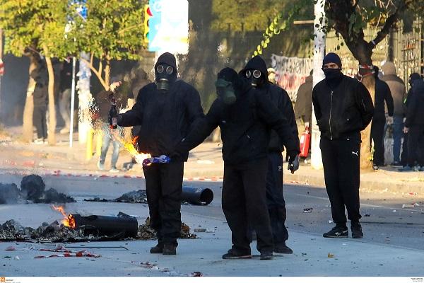 Σοβαρά επεισόδια στο κέντρο της Θεσσαλονίκης