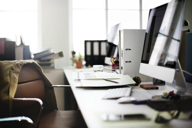 Δημόσιοι υπάλληλοι μπορούν να διεκδικήσουν επιστροφή 13ου και 14ου μισθού