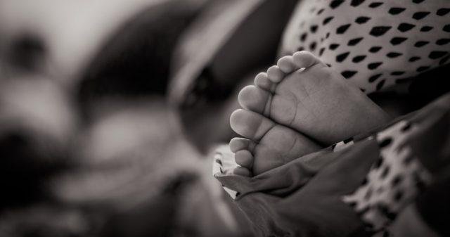Βρέφος μόλις πέντε μηνών έπεσε θύμα βιασμού