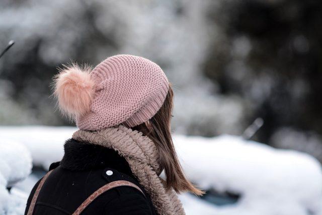 κακοκαιρία κορίτσι σκούφος χιόνια
