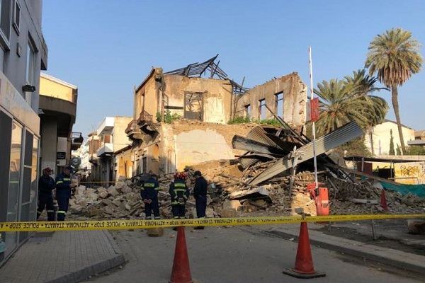 Κύπρος: Κατέρρευσε διώροφη πολυκατοικία