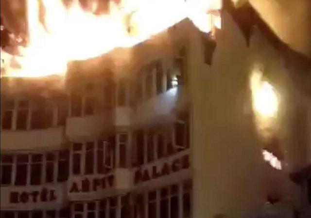 Νέο Δελχί - Τουλάχιστον 17 νεκροί από φωτιά σε ξενοδοχείο