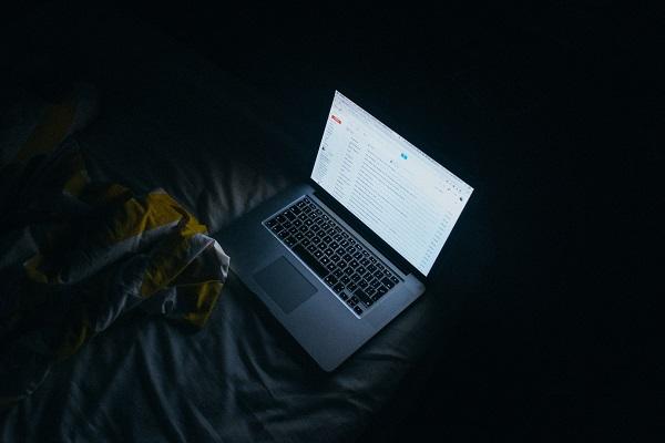 Site και εφαρμογές γνωριμιών Πώς να μην πέσετε θύμα απάτης