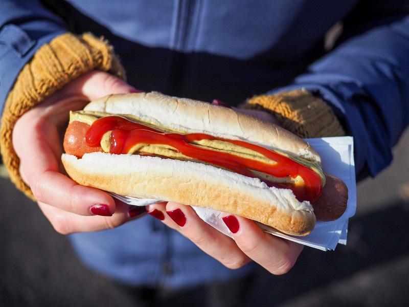 Γιατί τα λογότυπα των fast food είναι πάντα κόκκινα