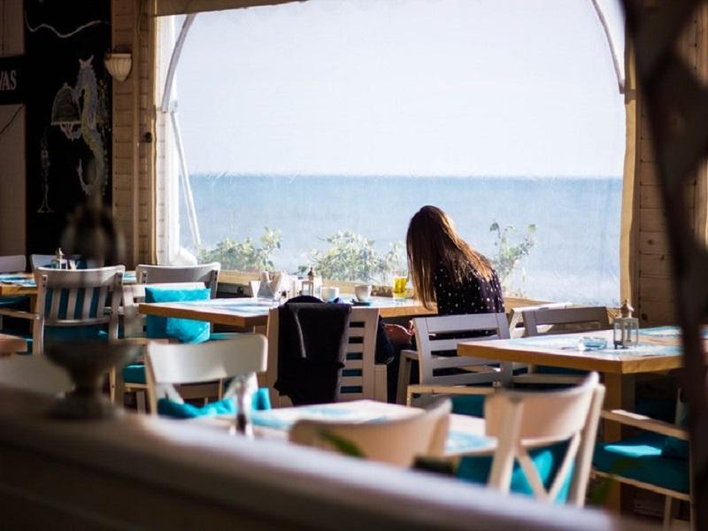 Ταξίδια φαγητό: Συμβουλές που θα μειώσουν το budget σας