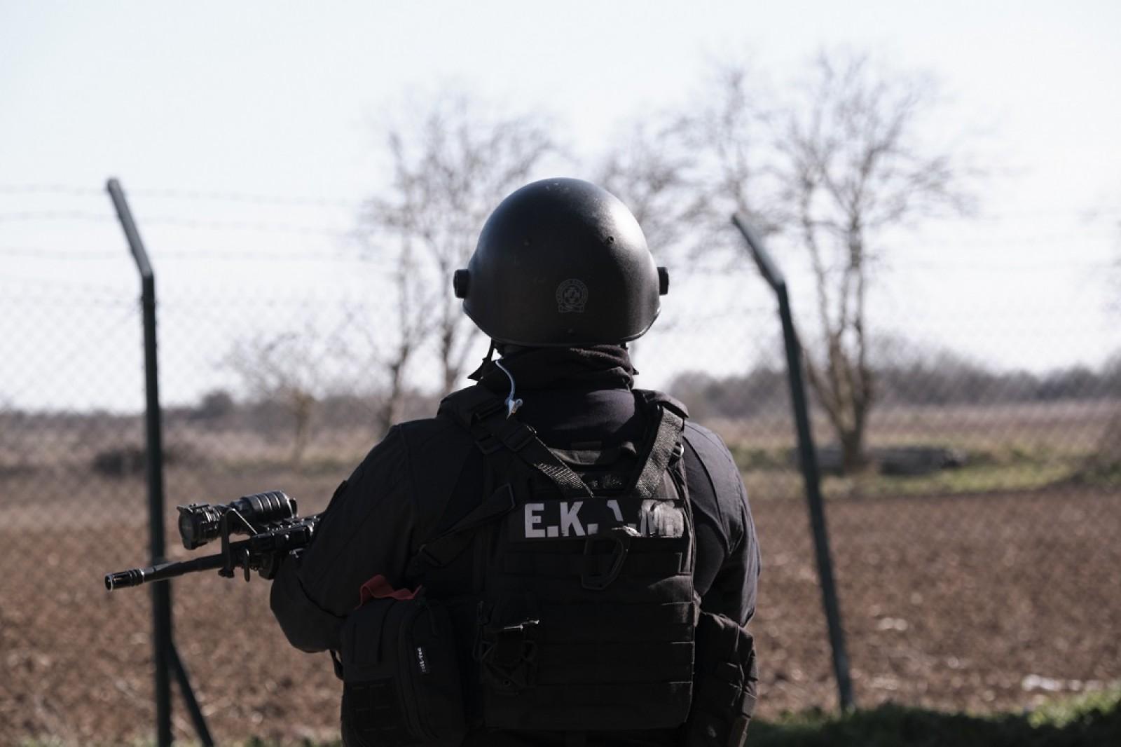 Πρόσφυγες σύνορα: Ο Δικηγορικός Σύλλογος Άγκυρας καταγγέλλει βίαιη μεταφορά