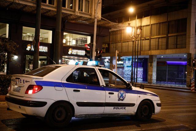 Περιπολικό της αστυνομίας με ανοιχτές σειρήνες