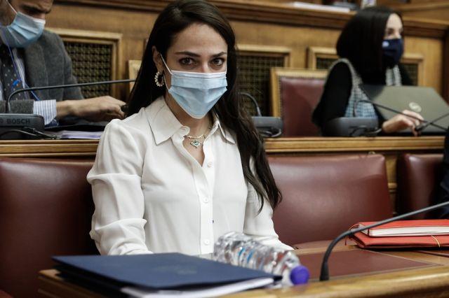 Η Δόμνα Μιχαηλίδου στη Βουλή