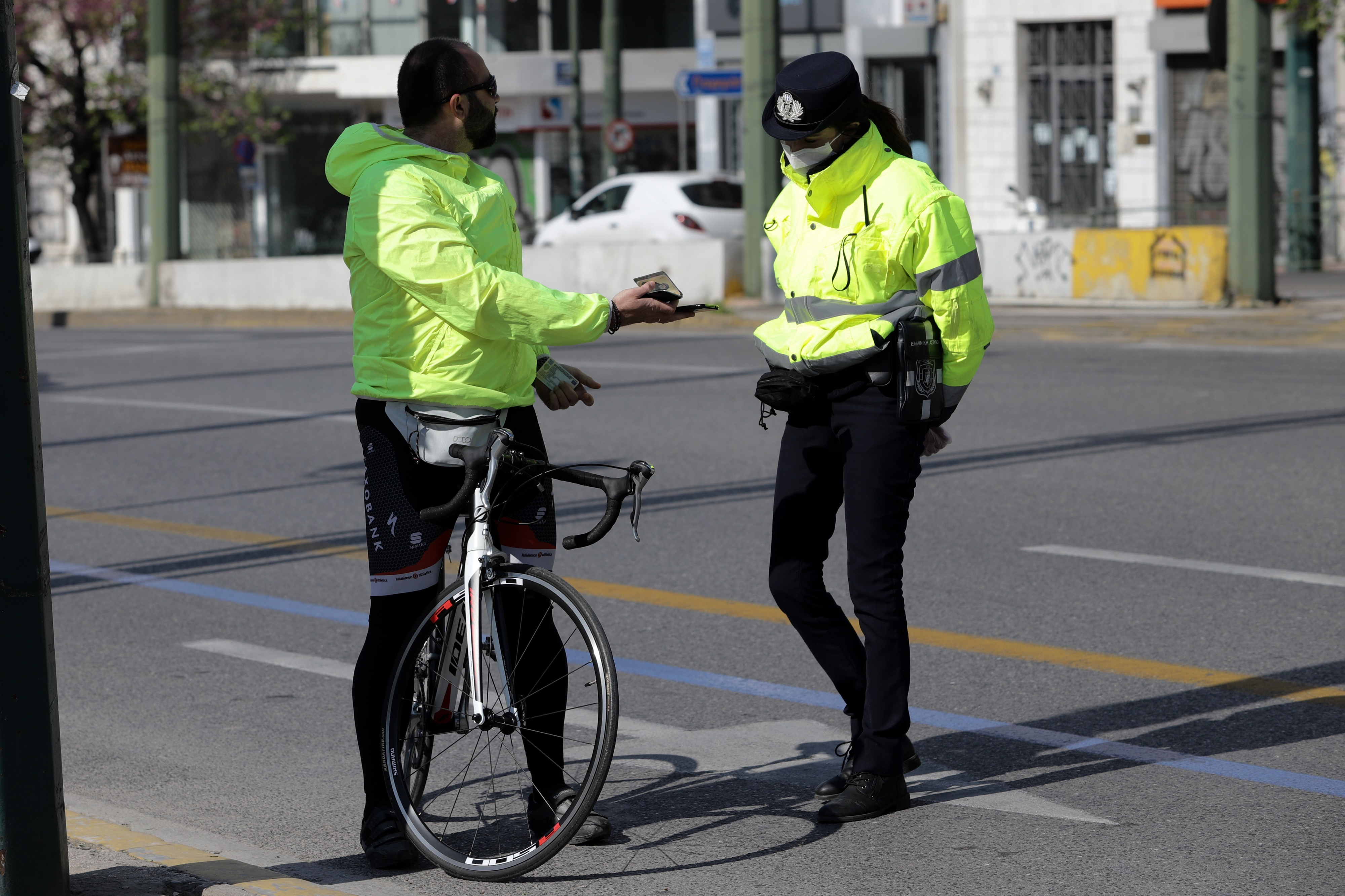 Έλεγχοι ΕΛΑΣ απαγόρευση κυκλοφορίας