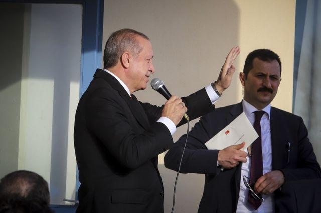 Ο Ερντογάν μιλάει στον τουρκικό λαό