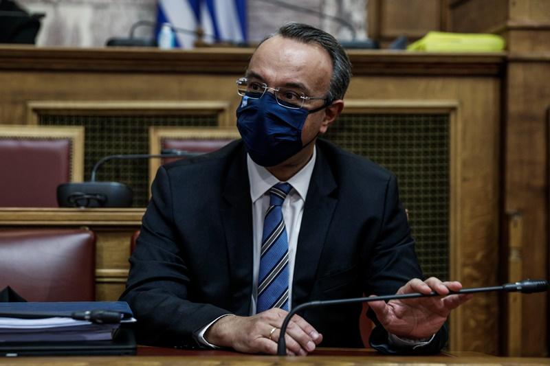 Χρήστος Σταϊκούρας με μάσκα στη Βουλή