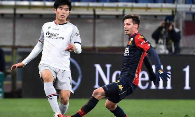 Φάση από τη νίκη της Τζένοα 2-0 με την Μπολόνια