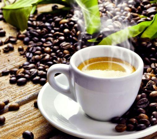 Φρέσκο καφές και κόκκοι