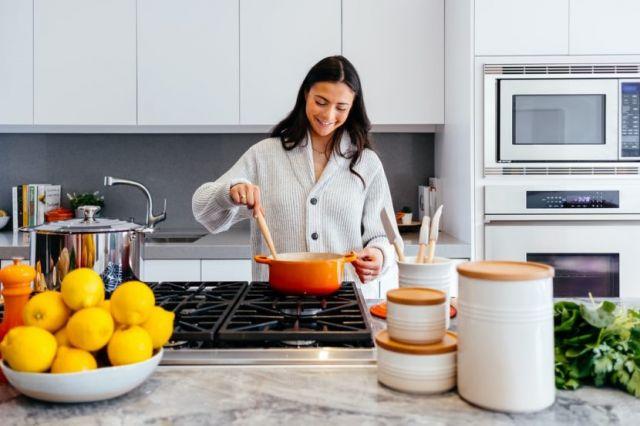 Κουζίνα μαγείρεμα