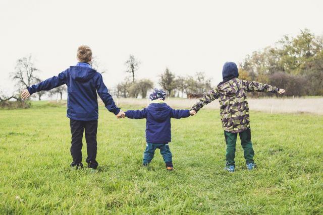 Τρία μικρά αδερφάκια