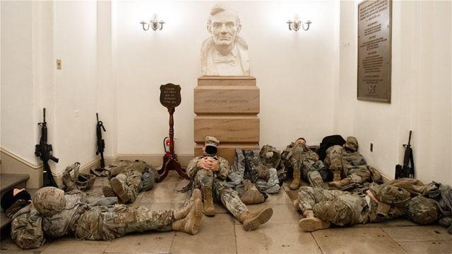 Στρατιώτες Καπιτώλιο