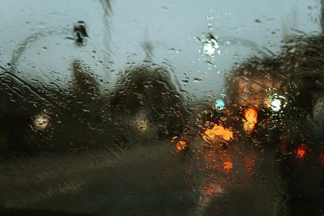 Βροχή στην κίνηση