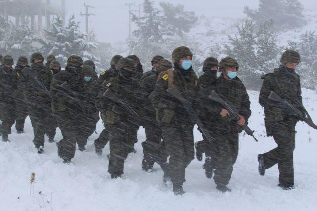 Στρατιωτική άσκηση στα χιόνια