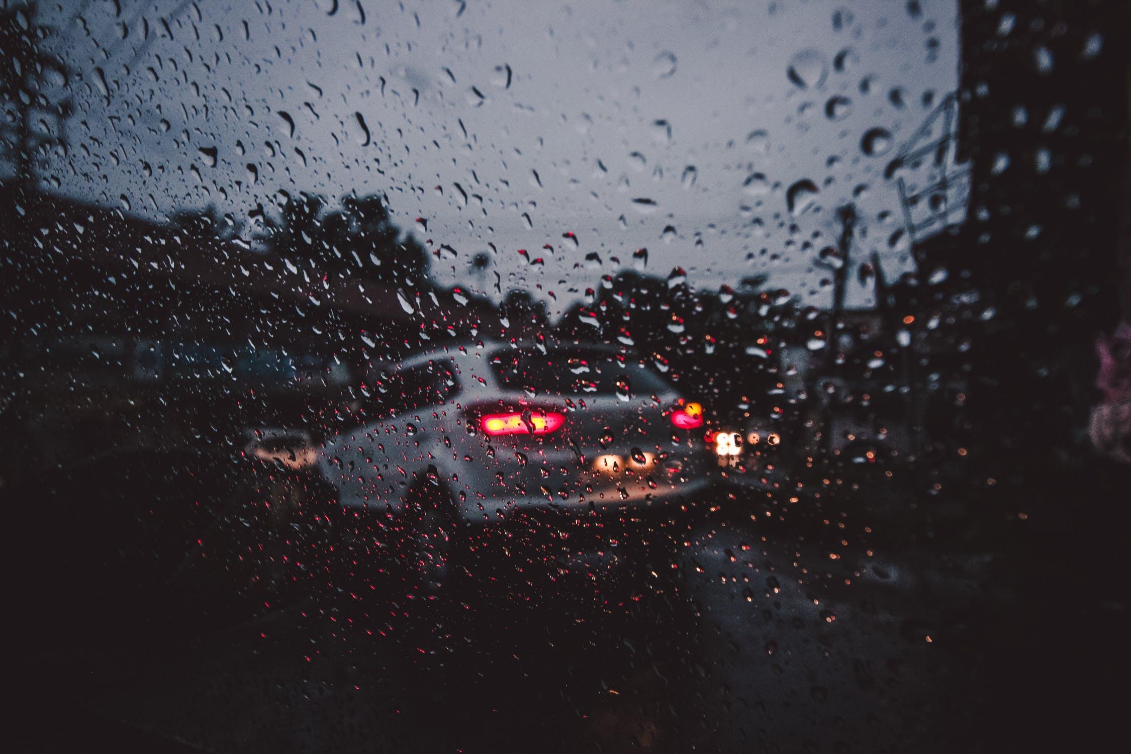 Κίνηση με βροχή