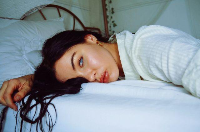 Γυναίκα με μπλε μάτια