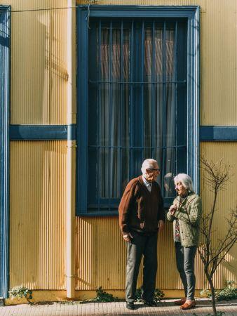Ηλικιωμένοι παράθυρο