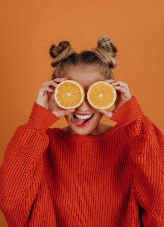 πορτοκάλι γυναίκα