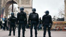 Αστυνομικοί στο Παρίσι