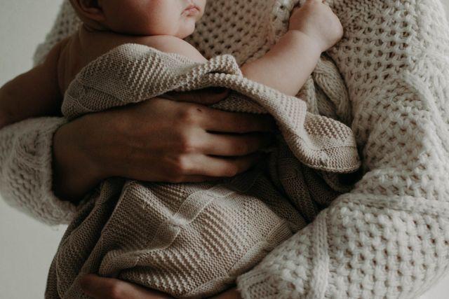 Αγκαλιά μωρό