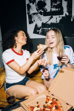 Πίτσα κοπέλες